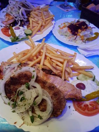 Taverna Santorini: Main course