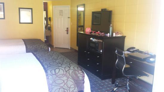 Red Lion Inn & Suites Walla Walla : 20160609_105528_large.jpg