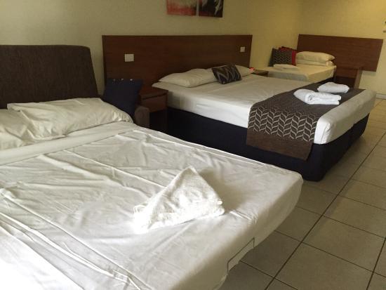 Cairns Queenslander Hotel and Apartments: Ótima localização. Limpo, claro e café da manhã farto incluído na diária!!