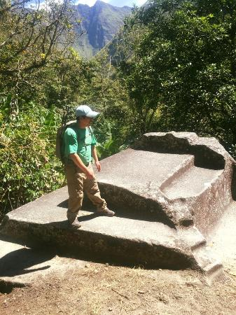 Tierras Vivas: Day 4 - our guide, Edwin, talking about the Incas