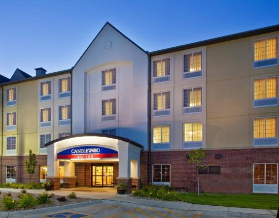 Candlewood Suites-Omaha Airport: Hotel Exterior