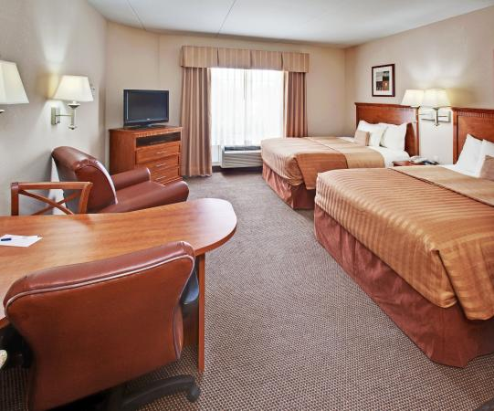 Candlewood Suites-Omaha Airport: Queen Bed Guest Room