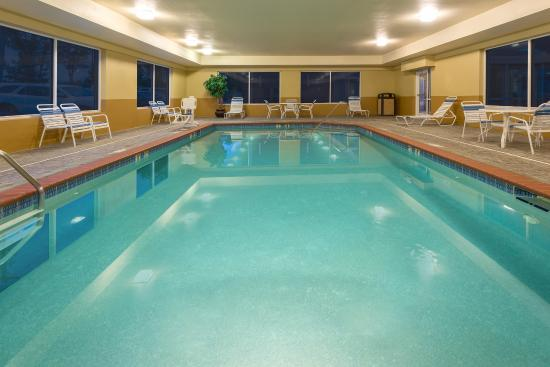 Holiday Inn Express Hotel Suites Lexington Northeast Ne Swimming Pool