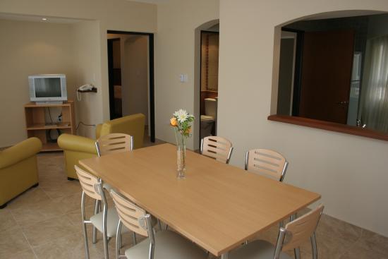 Inter Apart Hotel: Living - Comedor