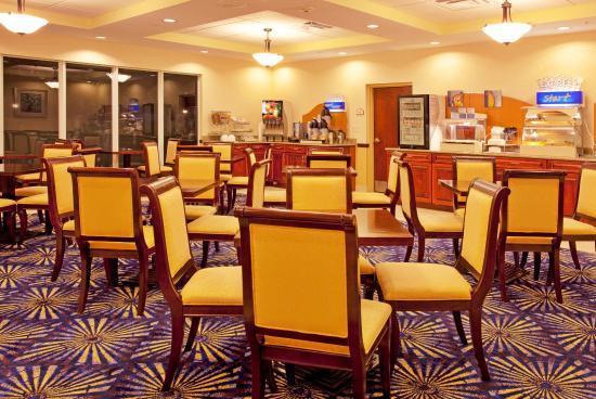 Brooksville, FL: Breakfast Area