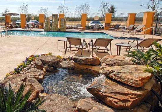 Residence Inn Abilene: Outdoor Pool