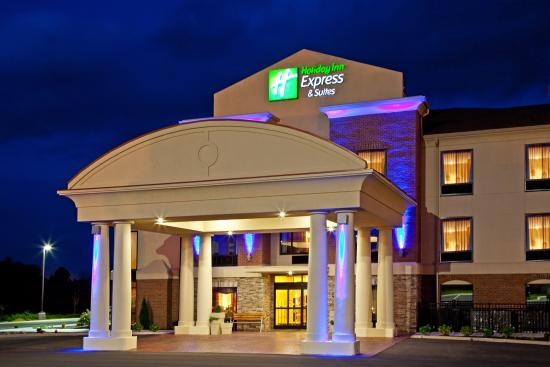Holiday Inn Express Hotel & Suites Franklin: Hotel Exterior