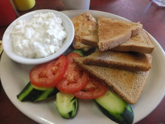 Knotty Pine: Diet Meal With Cottage Cheese