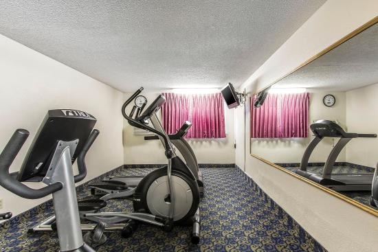 Econo Lodge Inn & Suites: Fitness