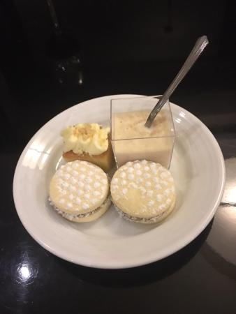 Executive Lounge desserts