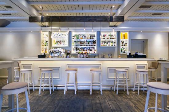 Platanos cafe bar
