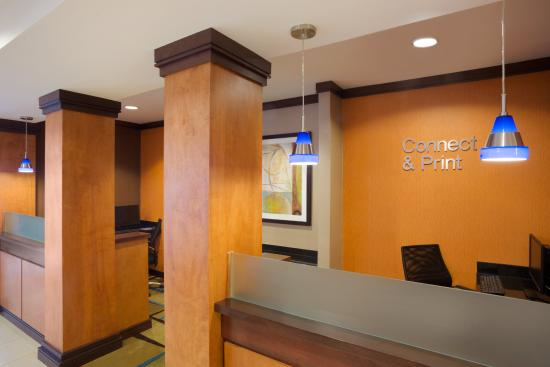 Fairfield Inn & Suites Columbia Northeast: Business Center