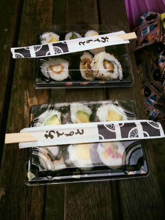 Sushi Salad Noodle Bar: Sushi