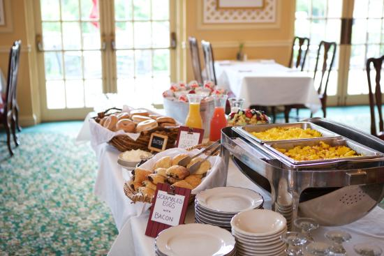 Williamstown, MA: Breakfast included with room