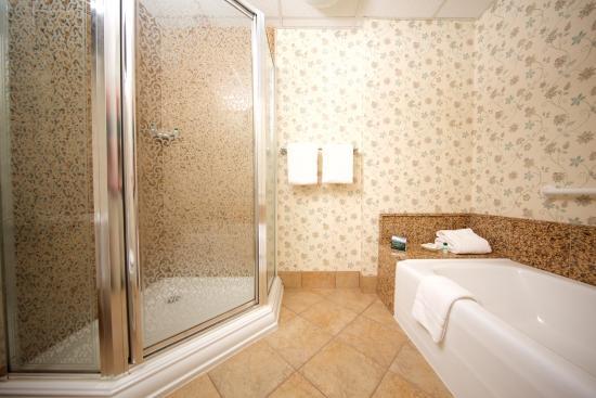 Williamstown, MA: Superior Bath
