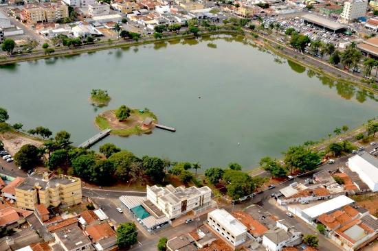 Lagoa Grande Minas Gerais fonte: media-cdn.tripadvisor.com