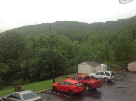 Econo Lodge Near Bluefield College: photo1.jpg