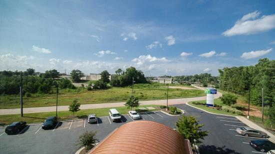 Holiday Inn Express & Suites: View from Hotel