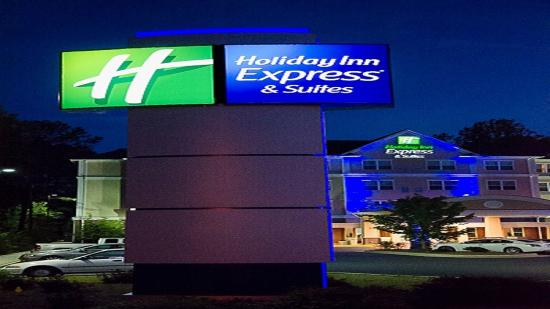 Photo of Holiday Inn Express & Suites LaGrange