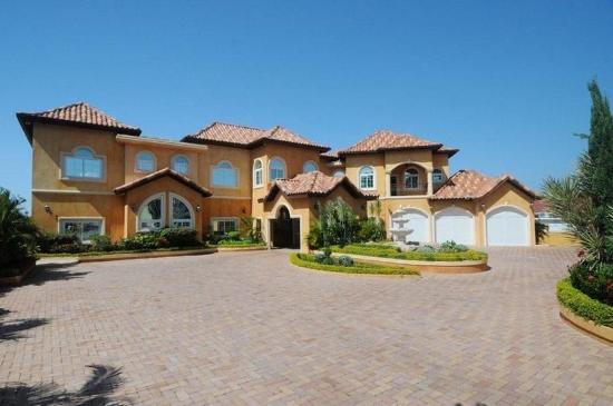 Genesis Sheer Elegance Villa : Exterior