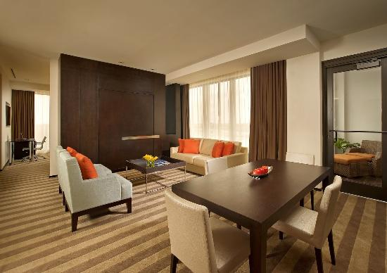 Miami Springs, FL: Master Suite Living