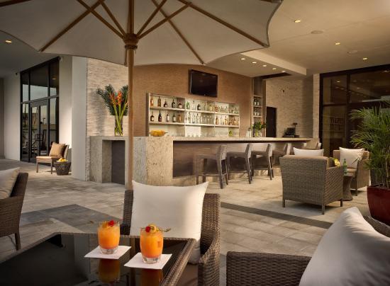 Miami Springs, FL: Pool Bar Table