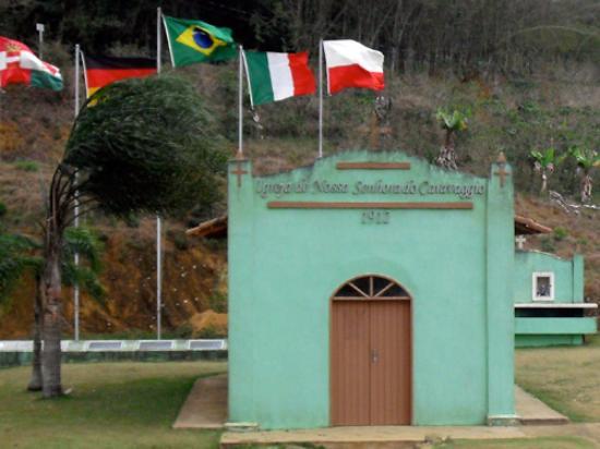 Santa Teresa, ES : igrejinha do caravaggio