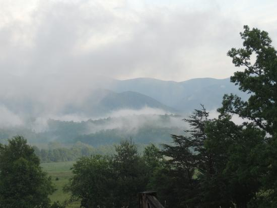 Townsend, TN: The Real Smoky Mountains