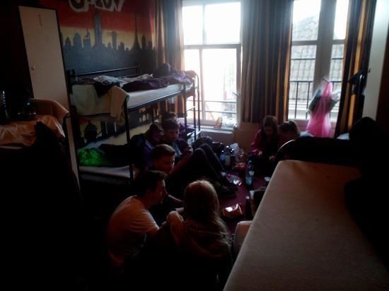 Hostel Meeting Point: chicos checos que entraron al tercer dia