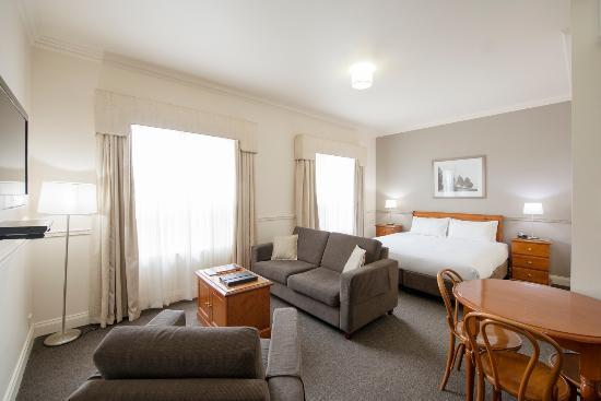 Majestic Tynte Street Apartments: Room