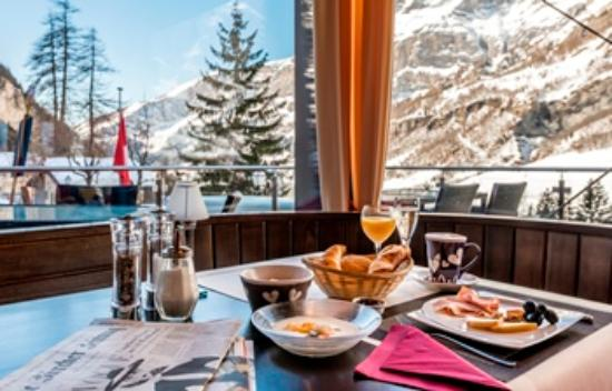 Hotel Waldhaus : Breakfast with a view