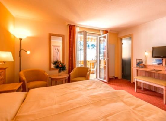 Hotel Waldhaus : Doppelzimmer mit Süd-Balkon
