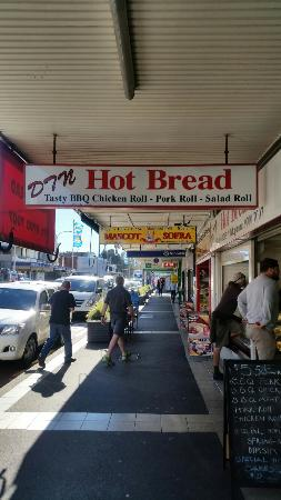 Botany, Australia: Dtn Hot Bread