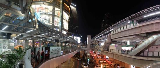 Best Comfort: asoke metro, just around the corner