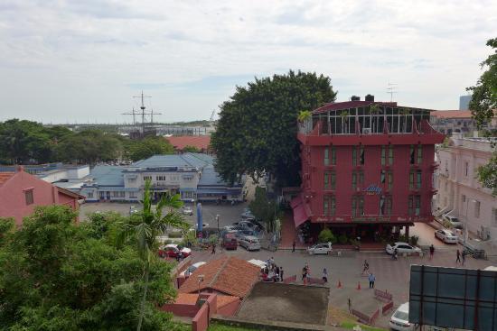Malacca Heritage Centre: 언덕 위에서 보이는 풍경
