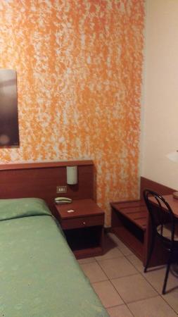 Hotel Paradiso: IMAG2313_large.jpg