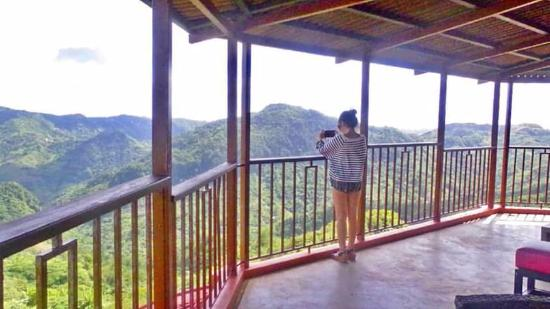 Balamban, ฟิลิปปินส์: The view deck enjoying the view #cebuana #christinestraveldiaries