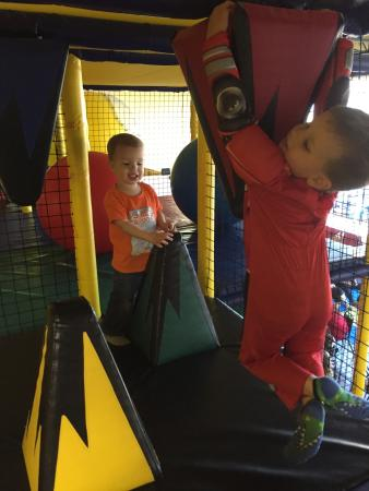 West Kelowna, แคนาดา: Just 4 Fun Playcentre
