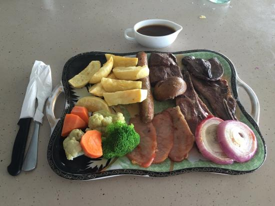 Palm Tree Resort: English mixed grill (Php 500.00).