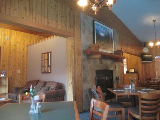 Beau Pocahontas Cabins Jasper Park