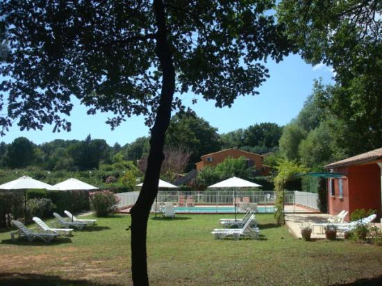 Hotel Les Ambres : La piscine