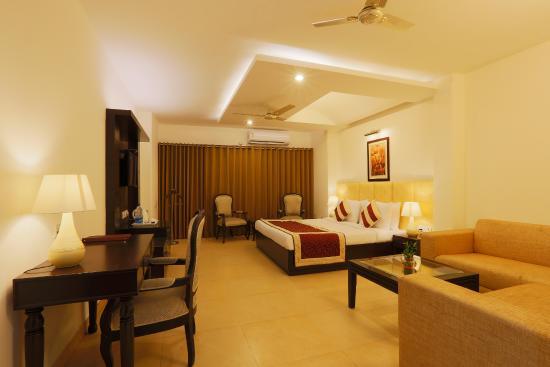 Interior - Picture of Capital O 4051 La Sapphire, New Delhi - Tripadvisor