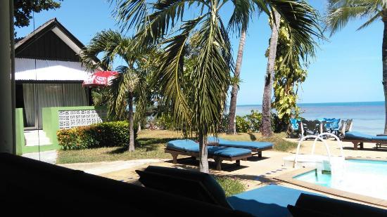 Weekender VIlla Beach Resort: TA_IMG_20160610_121443_large.jpg
