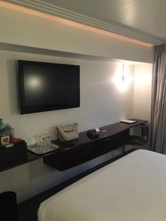 Hotel Shangri-La Santa Monica: photo1.jpg