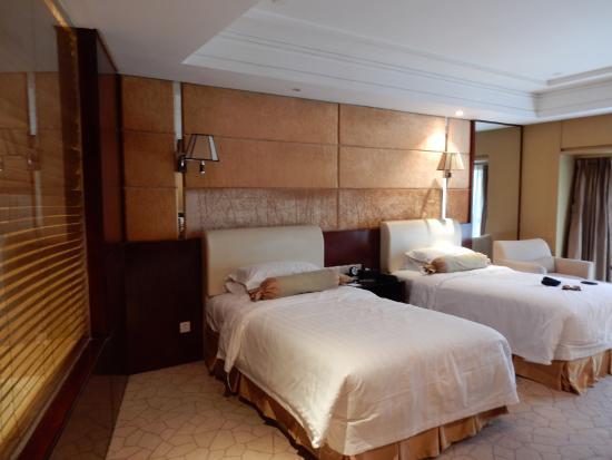 Zeer Ruime Kamers Picture Of West International Trade Hotel
