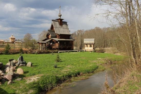 Waterfall Gremiachy: Wooden church
