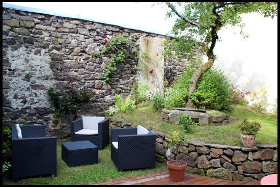 Espace jardin salon de th photo de cafe deco archi for Salon espace vert lyon