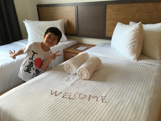 Leisure Cove Hotel & Apartments: two standard bed room