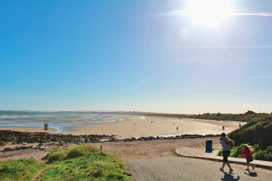 Donabate, Ireland: Beach