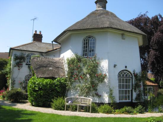 The Round House Bed And Breakfast Woodbridge